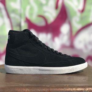 W Nike Blazer Mid Top Black Leather Suede Sneakers